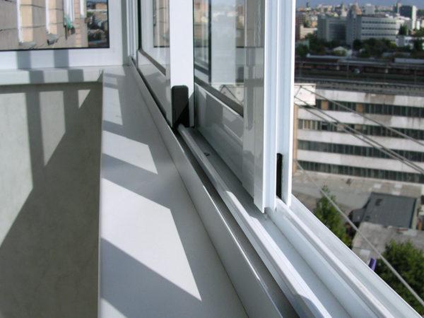 Раздвижные пластиковые и алюминиевые окна