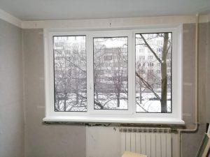 Установленное окно в панельном доме